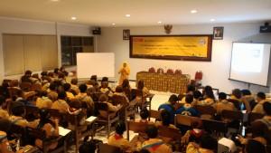 Trainer Muslim Surabaya Bu Karlin. SMS/WA 081217844806