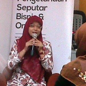 Karlin Pembicara Surabaya. SMS/WA 081217844806.